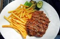 Grilovany Steak Z Vysokeho Rostence Na Barevnem Pepri