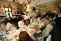 Stara Myslivna Konopiste Restaurace Svatba 30